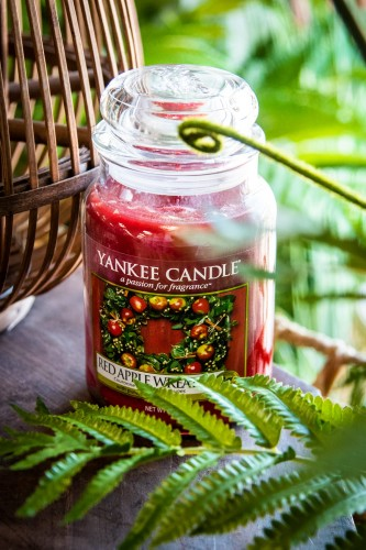 Yankee Candle - Red Apple Wreath - duży słoik 623g